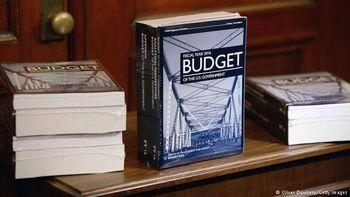 جزئیات بودجه 4000 میلیارد دلاری آمریکا / سهم بالای محیط زیست و جنگ از بودجه 2016 آمریکا
