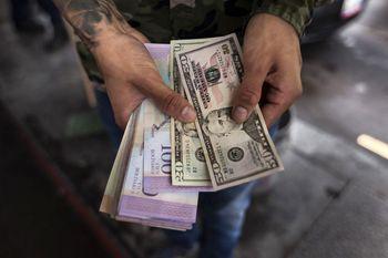 بیش از ۶۴ درصد از تراکنش های ونزوئلا با ارزهای خارجی انجام میشود