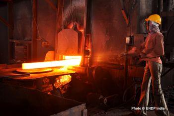 تغییر تاکتیک غولهای فولادی جهان / ایران و هند همچنان در مسیر افزایش تولید فولاد