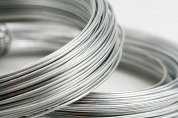 آخرین نرخ جهانی فلزات اساسی / هرتن شمش فولاد ۳۰۵ دلار