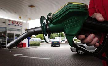 سهمیهبندی و افزایش قیمت بنزین آزاد، تورم را چند درصد بالا میبرد؟
