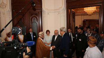 آغاز مجدد فعالیت محور گفتوگوی ایران-عمان؛ دیدار ظریف و بنعلوی در مسقط