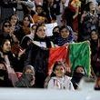 حضور زنان افغانستان در ورزشگاه برای مسابقه نهایی لیگ