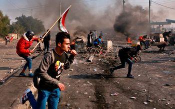 کنترل میدان «الخلانی» بغداد به دست معترضان افتاد