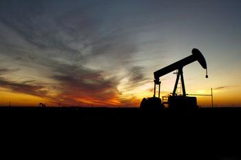 پیشبینی ثبات در بازار نفت/تا یک سال آینده تغییر معناداری در قیمت نفت نخواهیم داشت