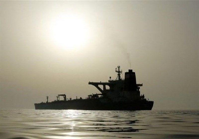 رویترز: نفتکشهای حامل سوخت ایران به سمت ونزوئلا در حرکت هستند