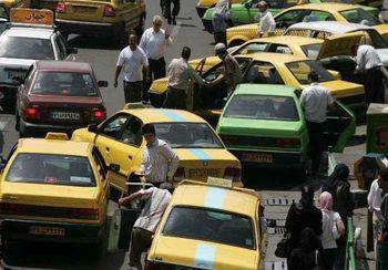 افزایش متقاضیان ورود به شغل تاکسیرانی به دلیل مشکلات معیشتی/ توزیع بستههای معیشتی بین رانندگان