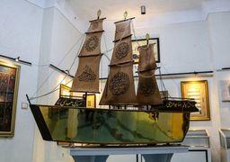 توضیح آستان مقدس حضرت معصومه (س) در مورد هزینه ساخت قرآن کشتی مطلا