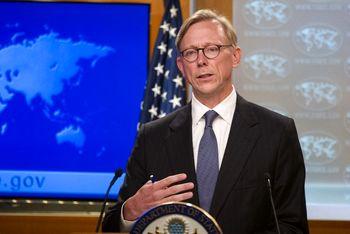 برایان هوک: در حال ارزیابی تصمیم ایران هستیم / هیچ معافیتی به کسی اعطا نمیکنیم
