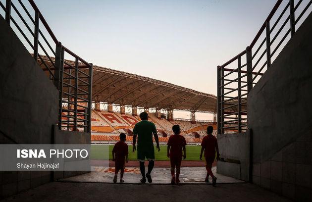 بنیامین ۶ ساله، محمد ۹ ساله و میلاد ۱۱ ساله سه کودک مبتلا به سرطان هستند. این کودکان آرزو داشتند تا روزی فوتبالیست و در مستطیل سبز پا به توپ شوند. این سه کودک با حضور در استادیوم فولاد خوزستان و بازی با تیم نونهالان این باشگاه در اهواز به آرزوی خود رسیدند