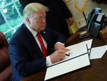 بلومبرگ: ترامپ در موقعیت مناسبی برای مذاکره با ایران نیست/بایدن بدون شرط به برجام برنمیگردد