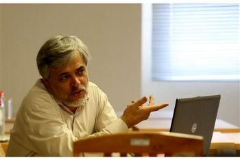 عضو اسبق سردبیری کیهان: کسانی که بر سر ظریف داد زدند، میتوانند ۲۰۰ کلمه درباره برجام بنویسند؟