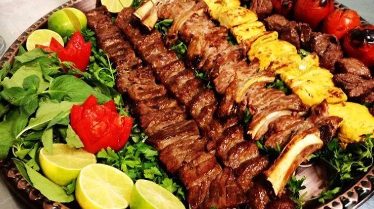 گزارش- تفاوت قیمت زمین تا آسمانی قیمت کباب در رستورانهای شهر/ کباب کوبیده سخی ۱۴۰ هزار تومان!