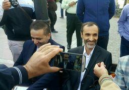 ژست احمدینژادی بقایی در برابر دوربین + عکس