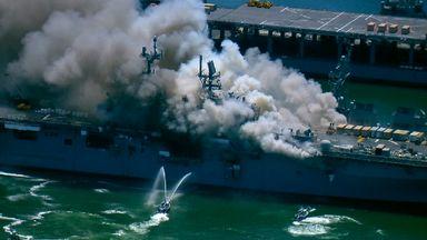 تصاویر حریق کشتی نظامی آمریکایی