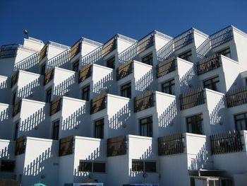 در کدام منطقه تهران قیمت آپارتمان ارزانتر است؟