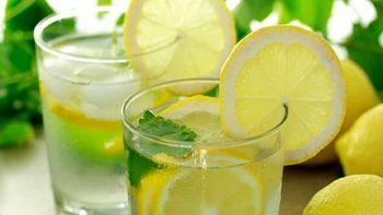 معجزه مصرف آب گرم و لیمو به صورت ناشتا