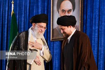 دیدار رهبری و سید حسن خمینی در حاشیه مراسم ارتحال امام (عکس)