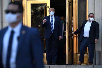 ترامپ از بیمارستان مرخص شد/ سکوت محض رئیس جمهور آمریکا در برابر خبرنگاران