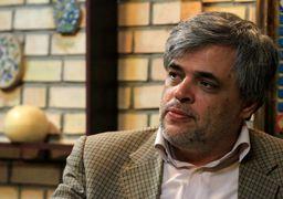 یک روزنامهنگار اصولگرا: فارس و تسنیم با افتخار آرم سپاه را بر سر در خود نصب کنند