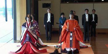 عکس و فیلم   امپراتور جدید ژاپن رسماً تاجگذاری کرد