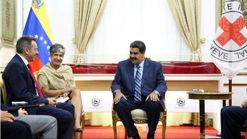 مادورو: با صلیبسرخ برای ارسال کمک به ونزوئلا به توافق رسیدیم