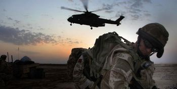 انگلیس در دریای عمان پایگاه نظامی میزند