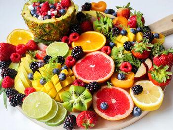 میخواهید وزن کم کنید؟ این چهار میوه را بخورید