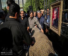 عکس های تشییع پیکر زنده یاد نادر گلچین