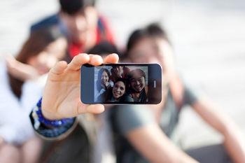 سلفی اجباری؛ شیوع یک پدیده زشت در جامعه +عکس