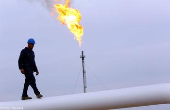 نقدهای تازه به قراردادهای نفتی/منتقدان از چه گلایه میکنند؟