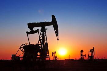 افت نفت با 2 پیشرانه فنی و سیاسی/ نفت آمریکا 47 دلار
