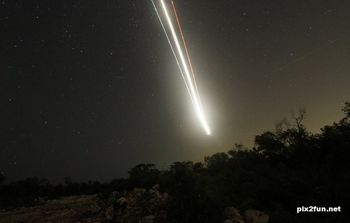 انفجار شیئی عجیب در آسمان ترکیه +عکس