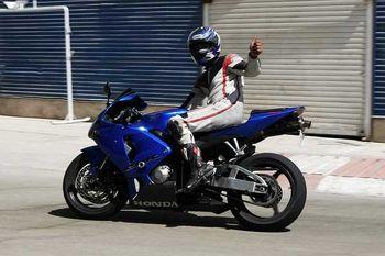 موتورسواری دخترو پسرسینمای ایران درخیابان های تهران +عکس