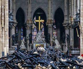 تصاویر «کلیسای نوتردام» پس از آتشسوزی