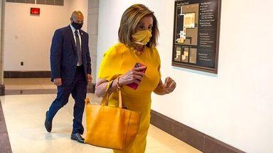 نانسی پلوسی / ماسکهای خاص و جذاب خانم رئیس