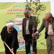 روحانی در روز درختکاری یک نهال بلوط در محوطه ایستگاه راهآهن رشت غرس کرد