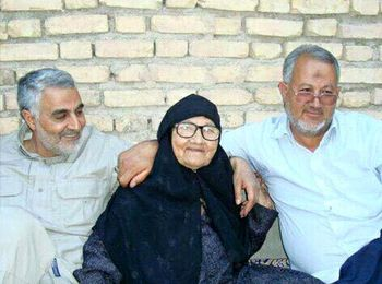 برادر حاج قاسم سلیمانی:شک کرده بودم که ممکن است در عراق اتفاقی برای حاج قاسم بیافتد/ برادرم استاد کاراته بود/ عاشق عدسپلوی مادرمان بود/خداوند استعداد بالقوهای به ایشان داده بود