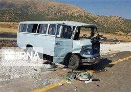 فیلمی از تصادف تریلی و مینی بوس در استان گلستان + ویدئو