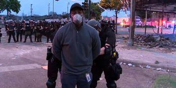 بازداشت گزارشگر سیانان حین «پخش زنده» اعتراضات آمریکا +فیلم
