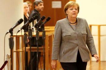 خانم صدراعظم،  هوادار افتخاری فوتبال آلمان  +عکس