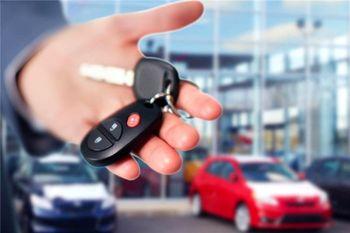 قیمت خودرو در سراشیبی سقوط / پراید در مرز 100 میلیون تومان