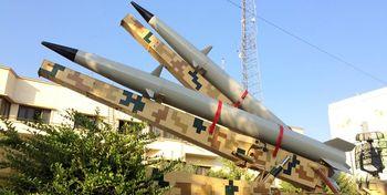 دو فروند موشک سپاه به نمایش درآمد