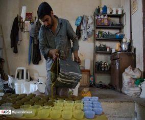 تصاویری جالب از کارگاه صابون پزی سنتی «آشتیان»