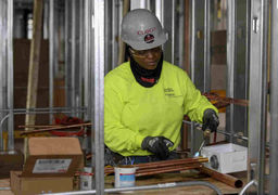 نرخ بیکاری در آمریکا زیر 4 درصد زندانی ماند