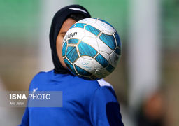 دید زدن قاچاقی فوتبال بانوان توسط مردان ! +تصاویر