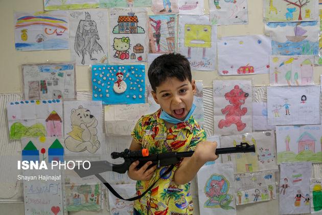 رادین 7 ساله و مبتلا به سرطان است. او که اکنون وضعیت جسمانی مطلوبی دارد می گوید که آرزویی ندارد.