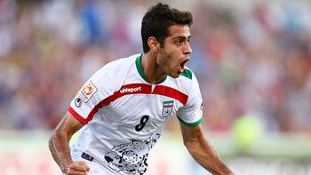 تفریح لاکچری فوتبالیست ملی پوش ایران در سواحل دوحه +عکس