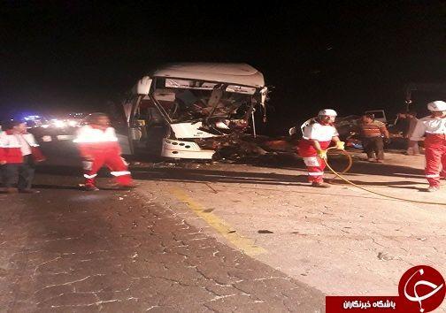 ۴ کشته در حادثه برخورد اتوبوس با کامیون کشنده
