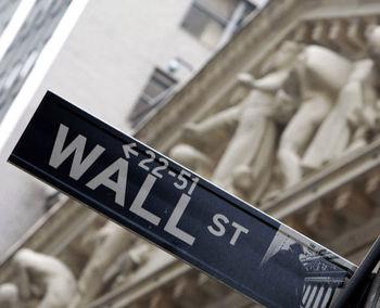 سقوط گسترده بازارهای سهام در دنیا؛ توقف 15 دقیقهای فعالیت والاستریت